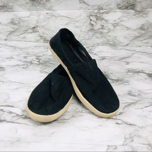 Men's Black TOMS Size 9.5
